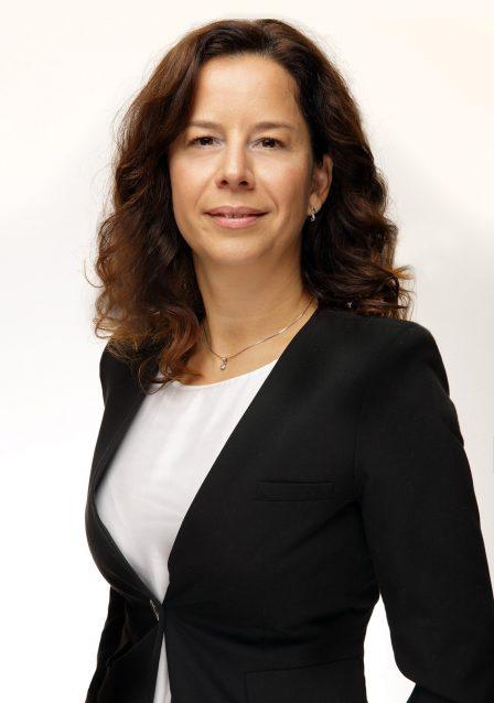 Александра Бросзова